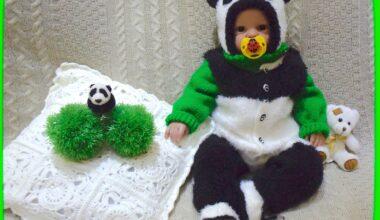 """Комплект для новорожденного """"Медвежонок Панда"""": полукомбинезон, свитер-реглан, шапочка и пинетки"""